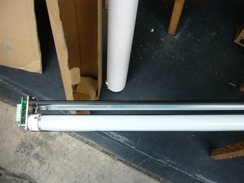 Фото Лампа сканера HP DJ T1100, T1120, T1200, 4520 (Q1277-60013)
