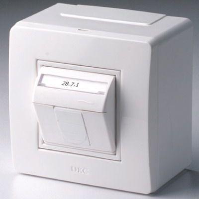 Фото Коробка PDD-N60 в сборе с 1 розеткой BRAVA RJ45 кат.5е (телефон/компьютер) бел. DKC 10665