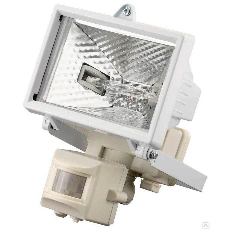 Фото Прожектор галогеновый СВЕТОЗАР с датчиком движения, цвет белый, 150 Вт {SV-57111-W}