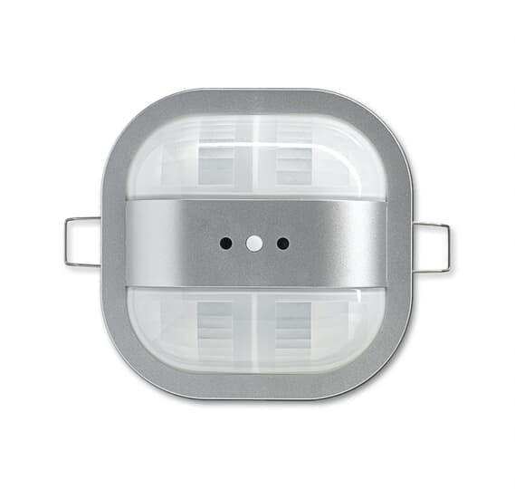 Фото Датчик присутствия 6131/51-183-500 KNX коридорный premium серебристый алюм. ABB 2CKA006132A0414